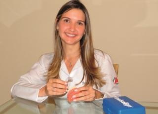 """A ortodontista, Dra. Júlia Assis Brito  """"O tratamento ortodôntico pode ser feito em pacientes de todas as idades, desde que sejam respeitados os limites biológicos de cada pessoa.�"""