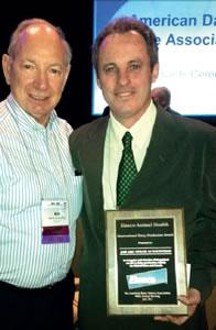 José Luiz Moraes Vasconcelos, recebe Prêmio nos EUA.