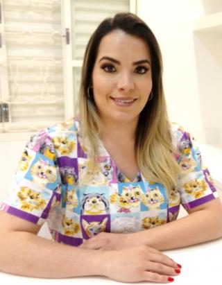 Sarisa Nóbrega - médica veterinária - Rua Lampadosa, 85 - Vila Rica - Passos/MG 3522-5304   |  98472-1642        |         @petconfortpassos Email: comercial@confort.pet  Horário de atendimento: Segunda à sexta: 9h às 21h Sábado: 9h às 16h
