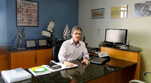 Daniel Porto Soares - Diretor Administrativo.