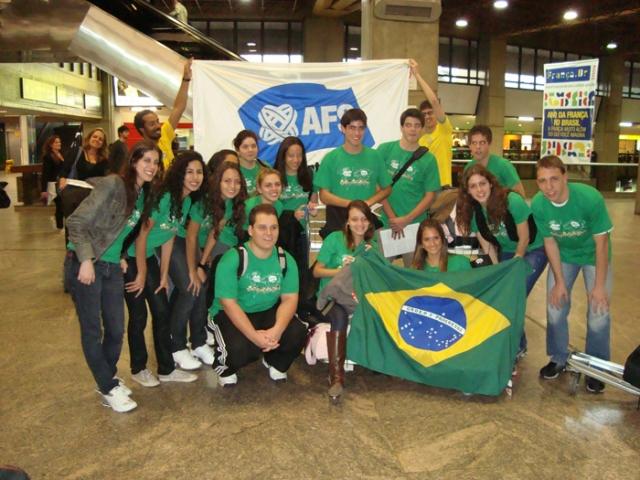 BRASILEIROS EM PARTIDA PARA ITALIA 2009.