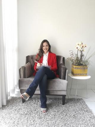 Larissa Hippólito Carvalho Maia Psicóloga clínica