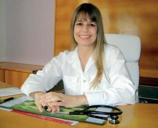 Dra. Elenice de Fátima Maia Martins - Médica Pediátrica e Alergologista.