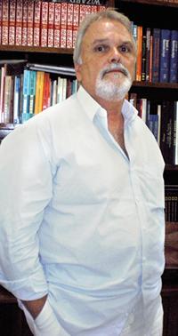 """O gastroenterologista e especialista em endoscopia digestiva José Armando Maia Righetto: """"Não existe milagre para a perda de peso.�"""