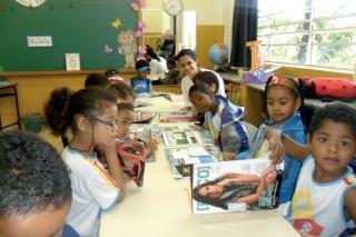 Pré-Escolar Municipal Profª. Ana Maria Ribeiro trabalha com a Foquinha na biblioteca já há 5 meses.