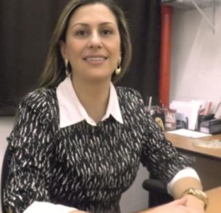 Grazielli Piantino Cançado épedagoga e psicopedagoga;  atua como orientadora vocacional em escola para alunos do ensino médio.