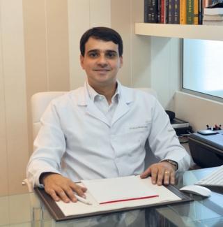 Dr. Marcelo Beraldo Cançado Dermatologia e Medicina Estética - CRM-MG 46.772
