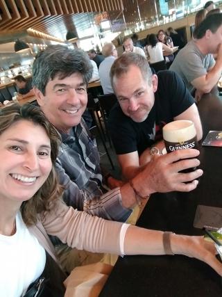 Parada para uma cerveja com o amigo canadense Sean, em Nanaimo.