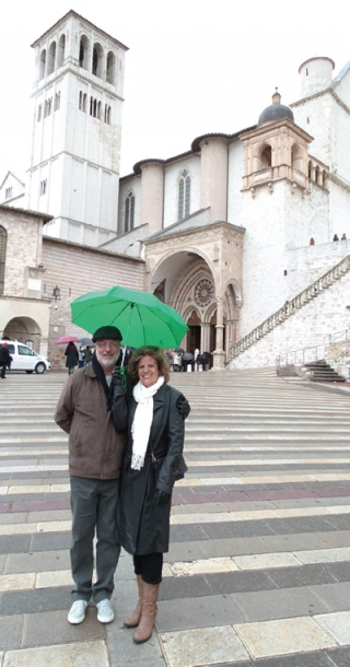 Casal na Catedral de Assis.