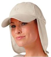 Boné legionário com proteção para orelha e nuca.