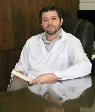 Dr. Renato Silveira Silva - Psiquiatra.