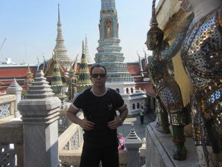 Grande Palácio, em Bangkok, e suas construções esplendorosas.