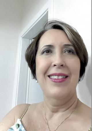 Dra. Eugênia Ubiali Médica hematologista e hemoterapeuta, coordenadora médica  do Hemocentro de Ribeirão Preto (e-mail: eugenia@hemocentro.fmrp.usp.br)