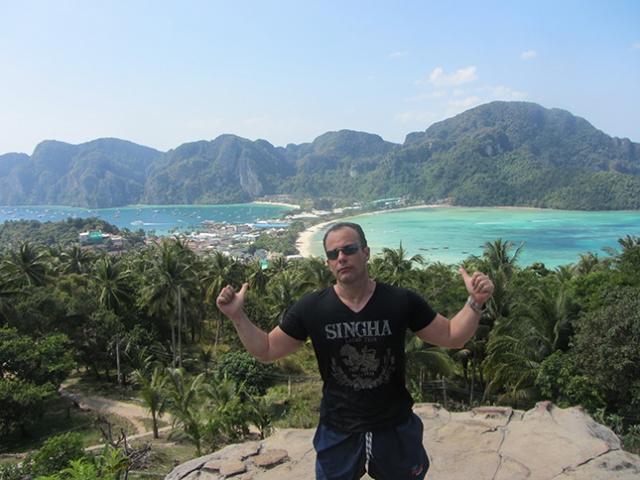 Vista panorâmica das ilhas Phi Phi.