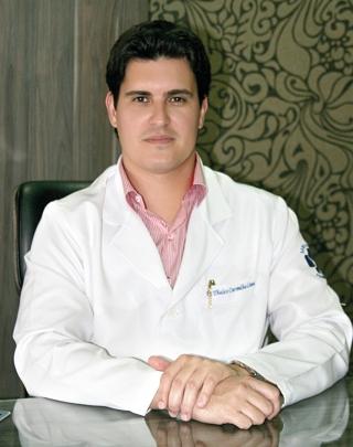 Dr. Thales Carvalho de Lima CRM - MG 46.962