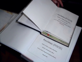 Detalhe do acervo organizado pela cerimonialista Maria Augusta