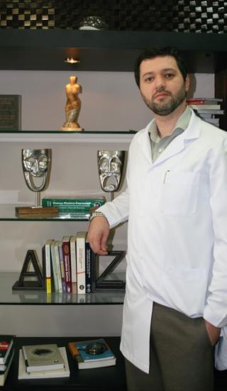 """""""A insônia é um sintoma que pode ocorrer isoladamente ou acompanhar uma doença�, explica o psiquiatra Renato Silveira Silva.�"""