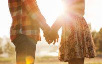 Casais bem sucedidos se vêem como eternos namorados.